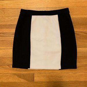 Forever 21 Black and White Mini Skirt XS
